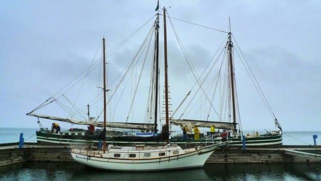 Docked in Essex (photo: Catherine Seidenberg)