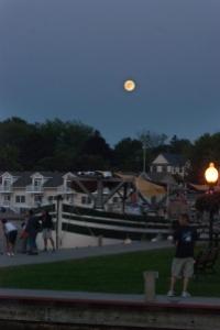 Moonrise in Sackets Harbor (photo: Tom Larsen)