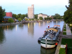 Docked in Pittsford (photo: Tom Larsen)