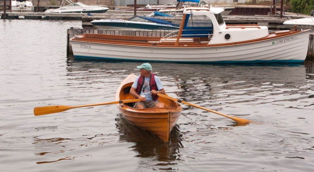 Don DeWees taking a skiff for a spin (photo: Tom Larsen)