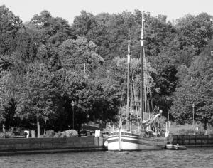 Docked in Brockville (photo: Tom Larsen)